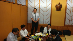 〆のご挨拶は、東京会国際部の部員でもある片平先生