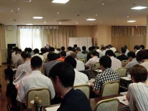 沢山の来場者を前に講師の大根田先生も熱が入ります