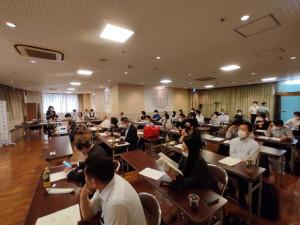 正垣先生による開会のご挨拶と山田先生のご紹介